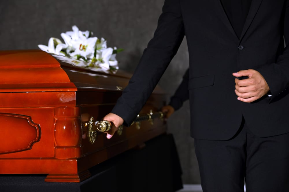 there are many ways to save on funeral costs